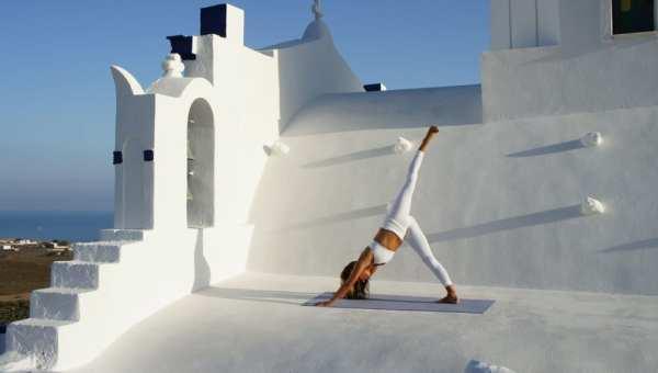 retreat in Santorini