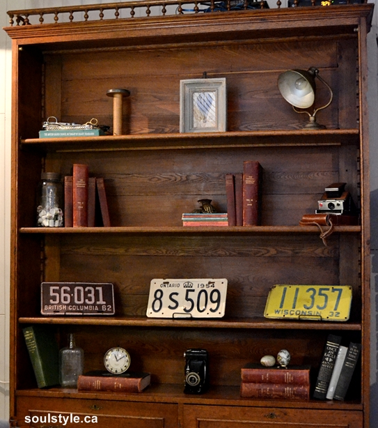 Bookshelf Styling Retro Vintage Accessories