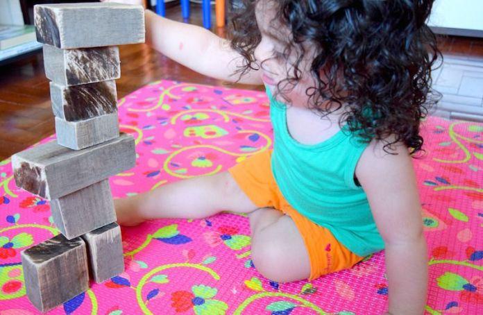 atividades-20-meses-cubos-madeira