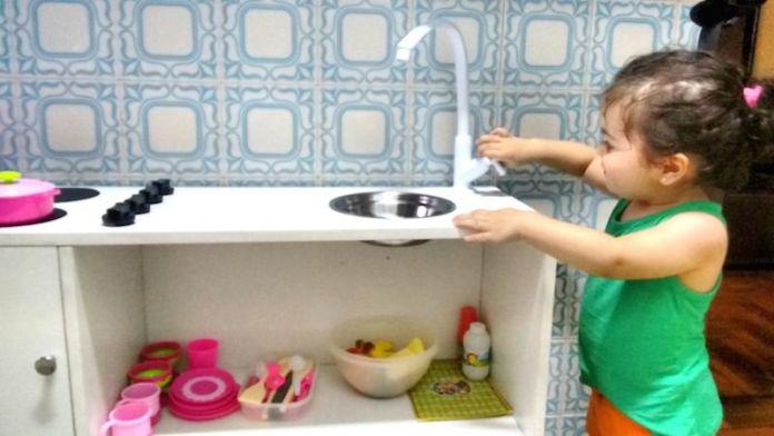 atividades-20-meses-mini-cozinha