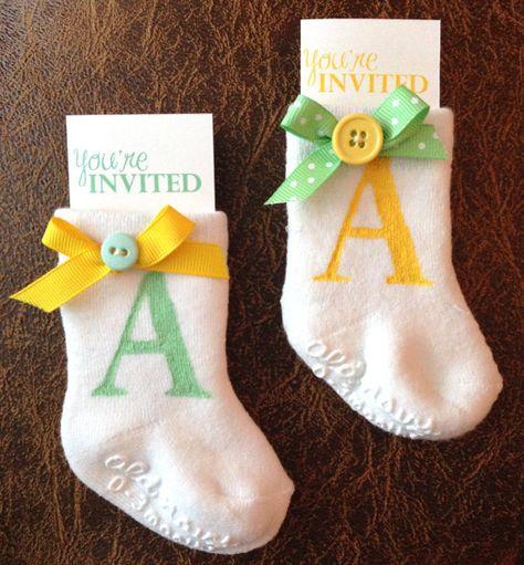 chá-de-bebê-convites-meias