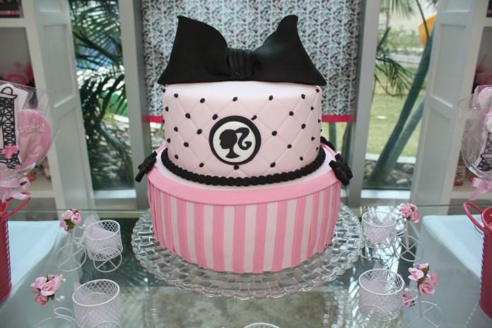 festa-infantil-da-barbie-bolo-rosa