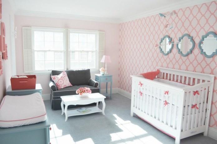 papel-deparede-para-quarto-de-bebê-rosa