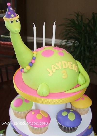 festa infantil dinossauro bolo menina