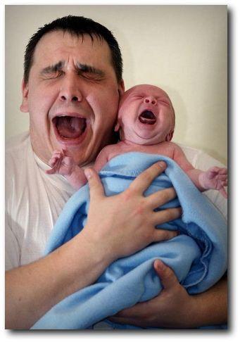recém-nascido chorando