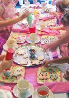 festa infantil chá de bonecas oficina de biscoitos