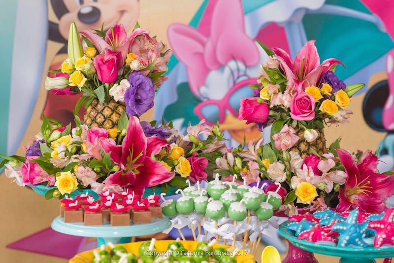 Como usar flores na decoraç u00e3o de festa infantil # Decoração De Flores Festa