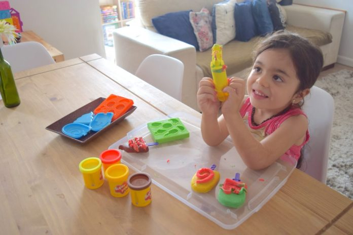 brinquedos-massinha-de-modelar-super-massa