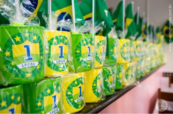 lembrancinha festa infantil Copa do Mundo