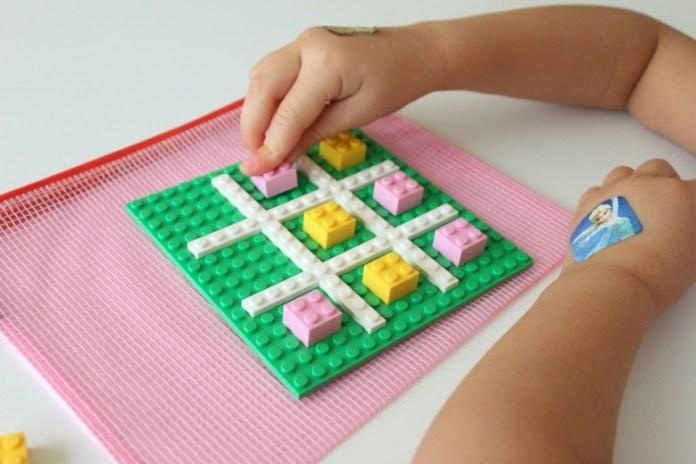 como brincar com LEGO