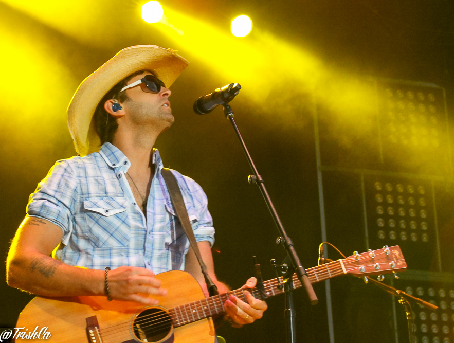 Dean Brody Boots and Hearts 2013-
