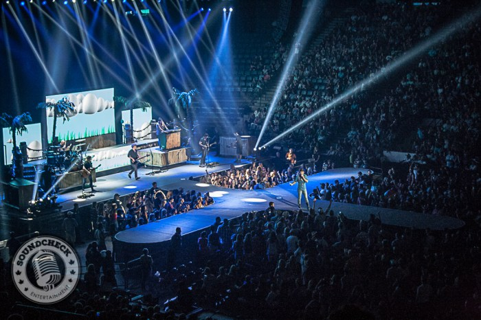 Jake Owen - First Ontario Centre - Photo: Ray Williams