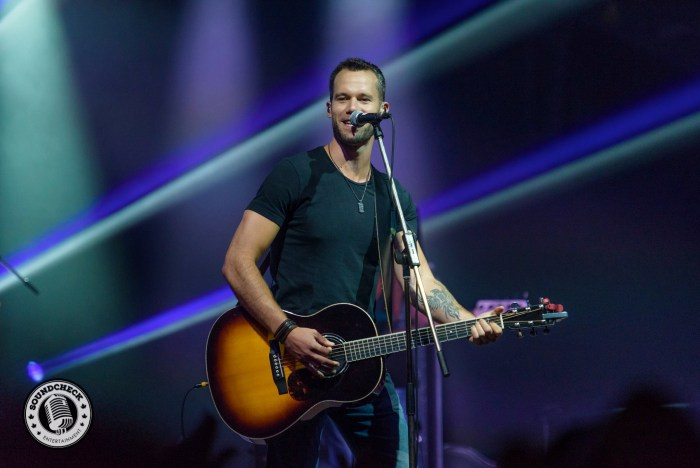 Chad Brownlee @ the Kitchen Party at CCMA 2015