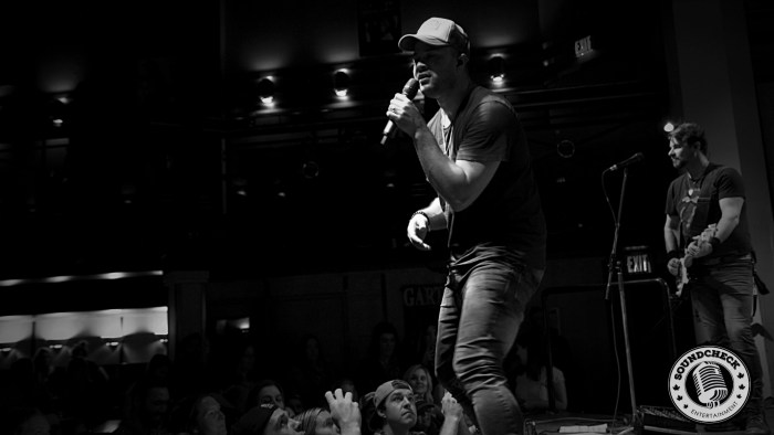 Tebey performs @ Dallas Night Club in Kitchener on the Three's A Party Tour - Photo: Corey Kelly