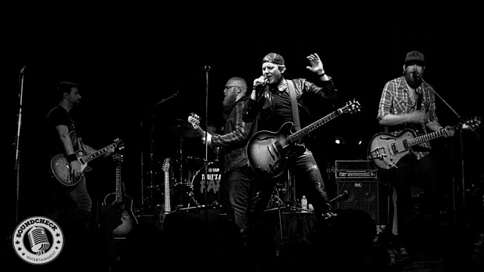 Jason Blaine performs @ Dallas Night Club in Kitchener on the Three's A Party Tour - Photo: Corey Kelly