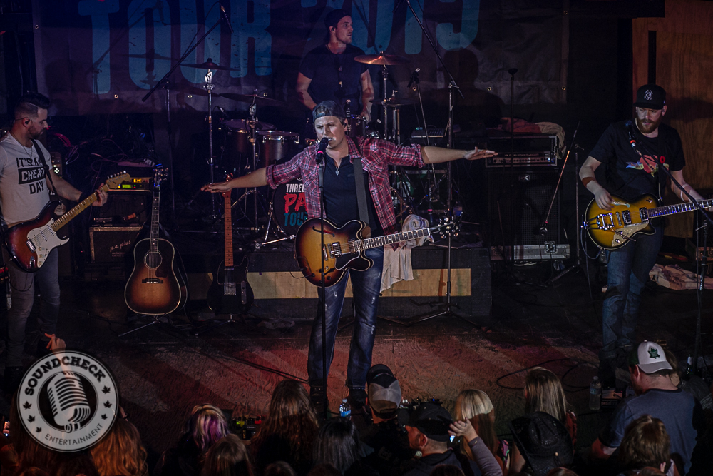Jason Blaine performs to a Sold Out Nashville North - Photo: Ray Williams