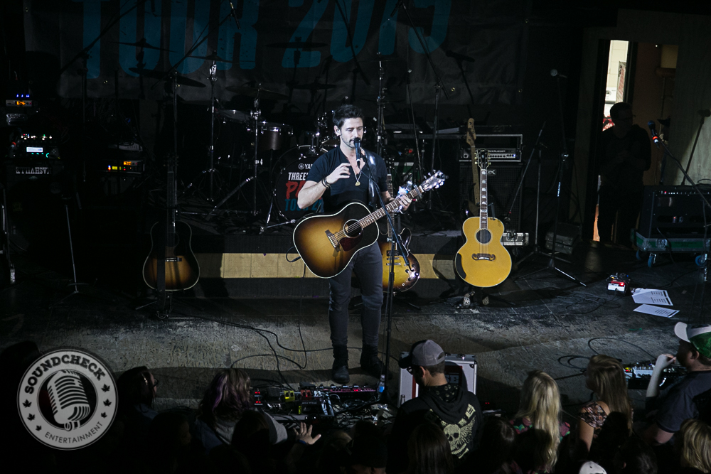 Jesse Labelle performs to a Sold Out Nashville North - Photo: Ray Williams