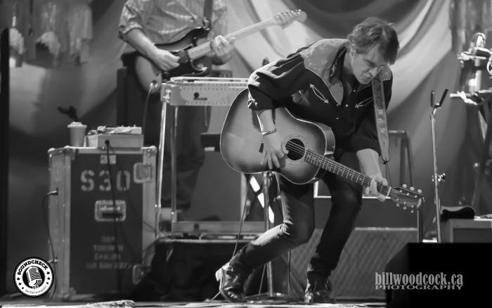 Jim Cuddy of Blue Rodeo Rockin' Budweiser Gardens in London, Ontario - Photo: Bill Woodcock