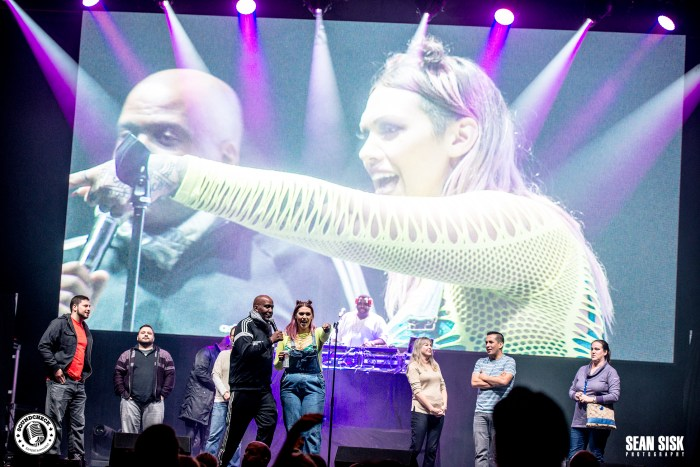 Audience participation was encouraged at TD Place as part of the I Love the 90s Tour - photo by Sean Sisk for Sound Check Entertainment