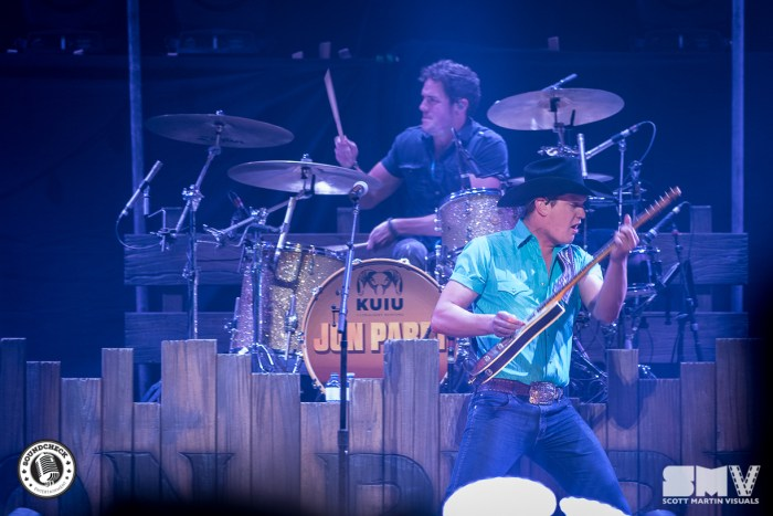 Jon Pardi at Canadian Tire Centre - photo credit: Scott Martin Visuals