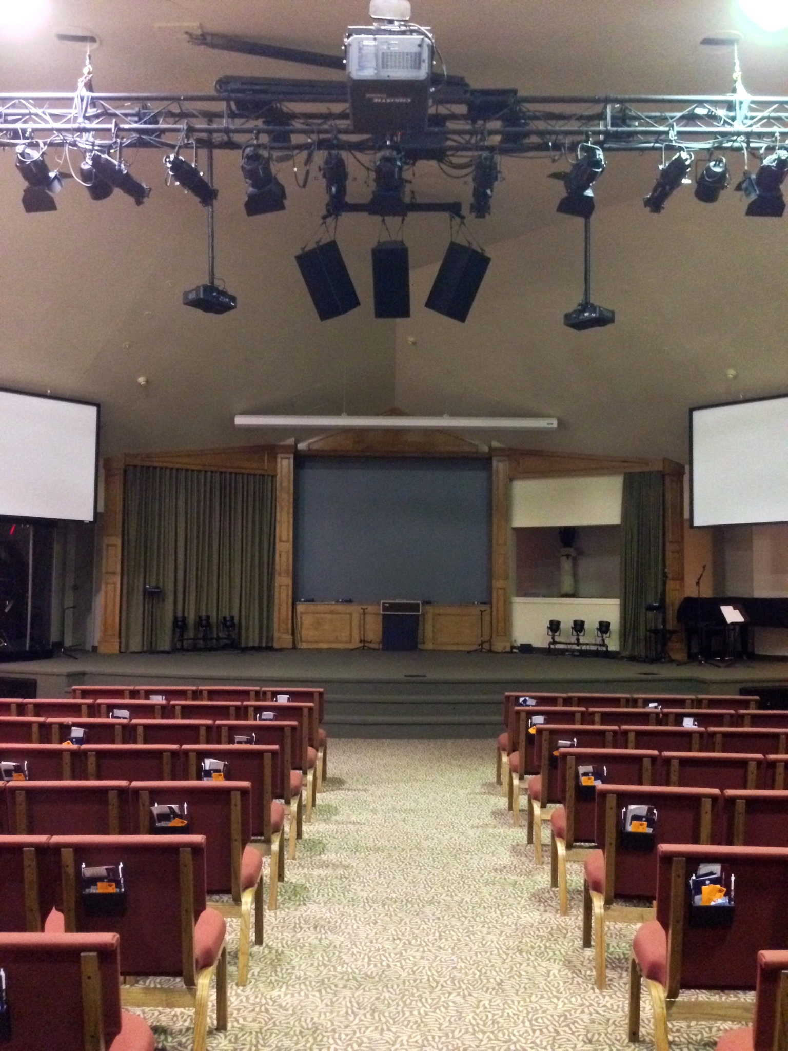 SPECIAL REPORT Sound System Design For Small Venues With Bob McCarthy - Sound room design