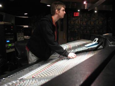 sound-design-live-get-booked-solid-in-pro-audio-studio