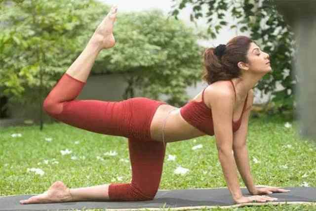9-yoga-poses-to-stay-fit  A Few Amazing Benefits of Yoga 9 yoga poses to stay fit