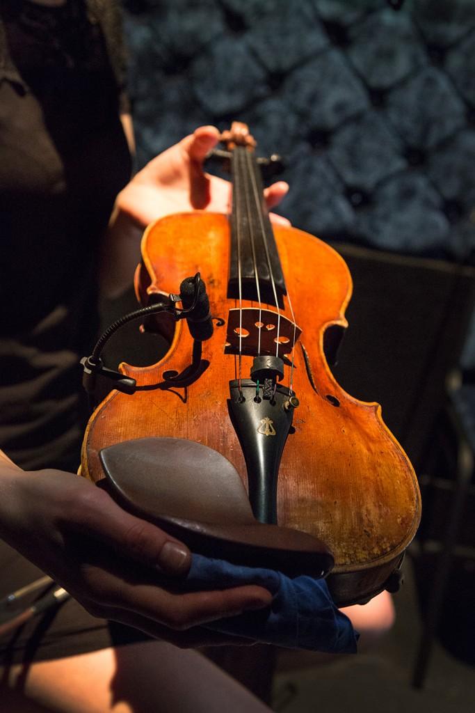 Sinatra Big Band DPA d:vote 4099V Violin