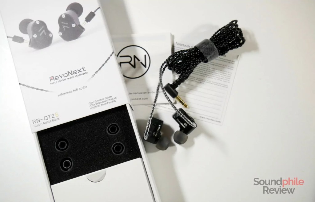 RevoNext QT2s packaging and accessories