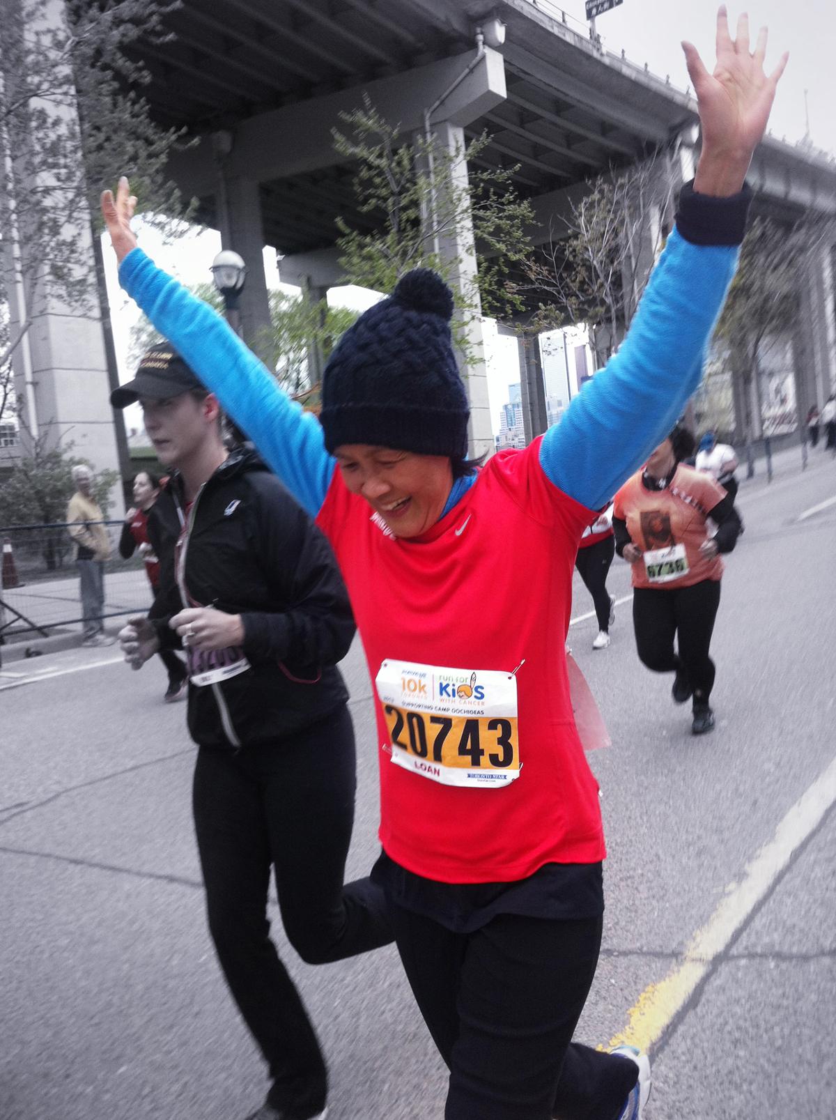 mom running the sporting life 10K