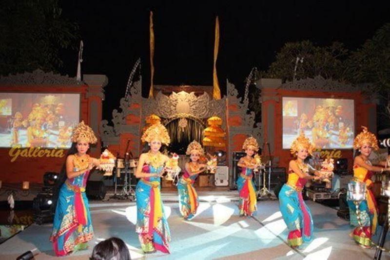 Tari Sekar Jagat Bali
