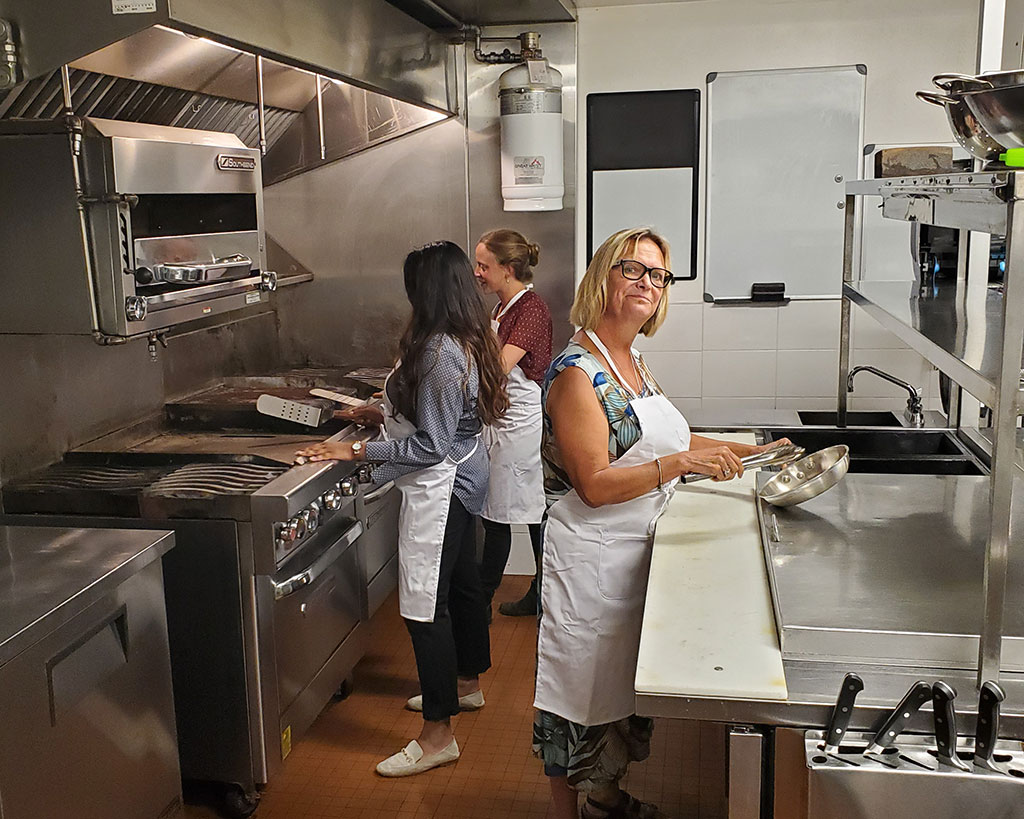 Sources Community Resource Centres - commissary kitchen