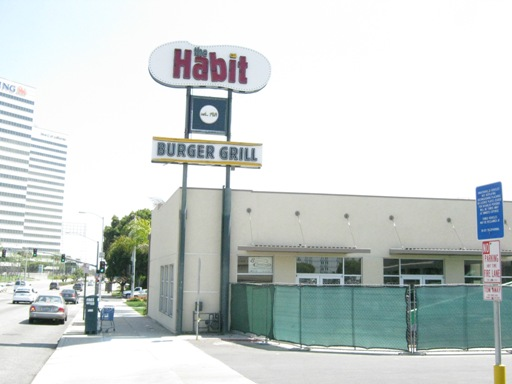 The Habit Hamburger Grill Comes to El Segundo
