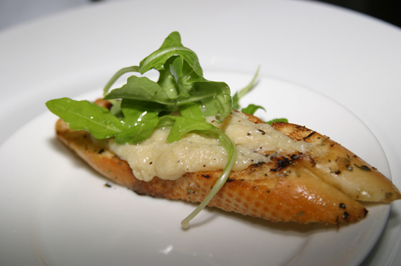 Salted cod on a grilled baguette