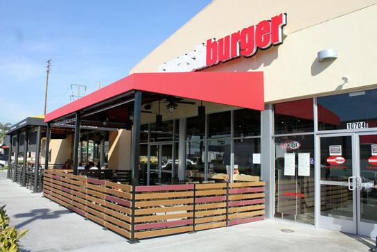 Smashburger Store Front