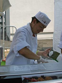 Sushi Roku chef making spicy tuna hand rolls