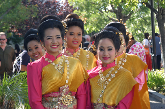 Thai dancers pose for a photo op.
