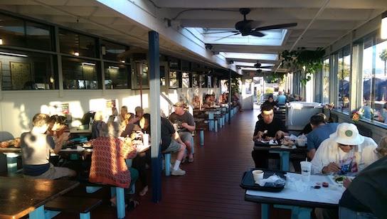 4-dining-room-Dinner at Captain Kidd's-7