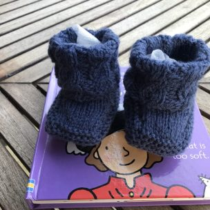 blue baby cabled winter bootees