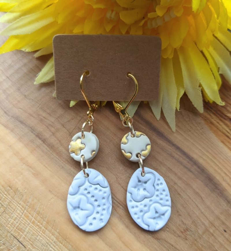 Gray, gold and neutral dangly earring, gold clasp hooks
