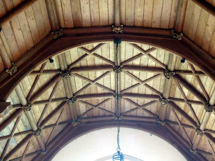 A striking ceiling