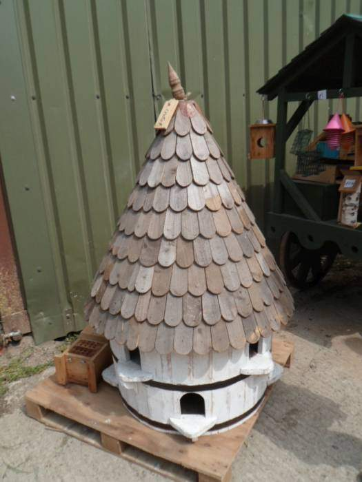 Where we could buy this dovecote for less than £163.60? Won't fit in my rucksack.