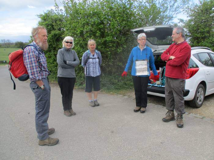 With the Sidmouth holiday tomorrow, there are only 6 S. Cots on the walk, until we are joined by newcomer Kay.