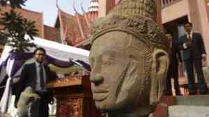 Repatriated head at the National Museum of Phnom Penh. 20160413