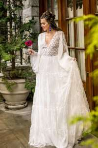 Spanish Inspired Wedding Dress | Southern Bride