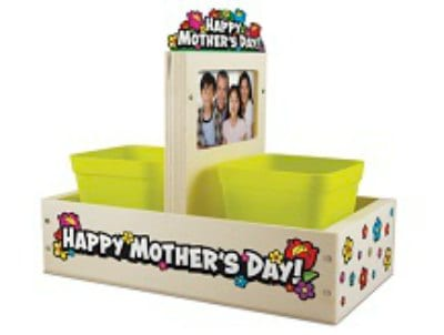 Free Event: Kid's build mom a Mother's Day Planter at Lowe's on May 9th!