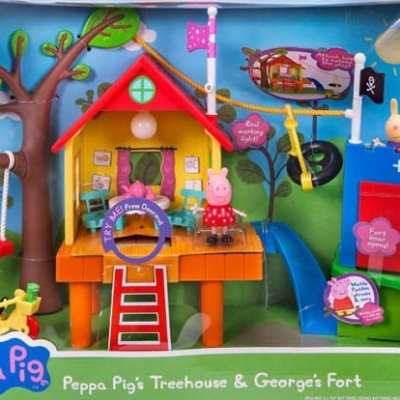 Peppa Pig's Very Merry Oinktastic Holiday Package!