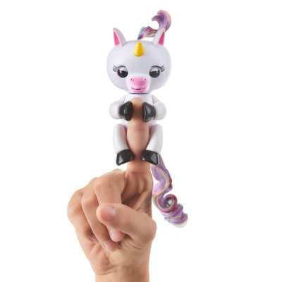 TOP 2017 Holiday Toy Gigi the Fingerlings Unicorn