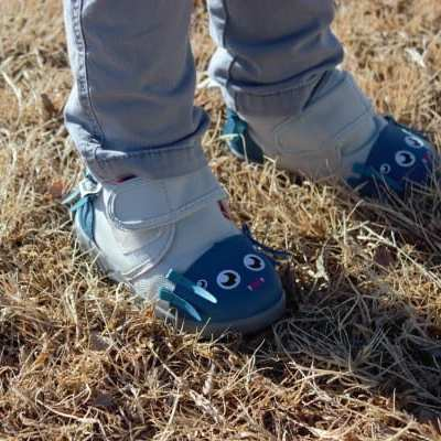 ikiki Shoes – Making Shoes A Bit More Fun. They Squeak When Your Kid Walks
