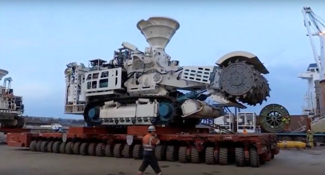 A seabed mining machine built for Nautilus Minerals.YouTube/Nautilus Minerals